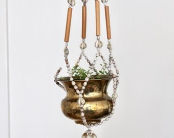 Vintage boho beachy shell and wood beaded hanging planter / Beaded hanging planter