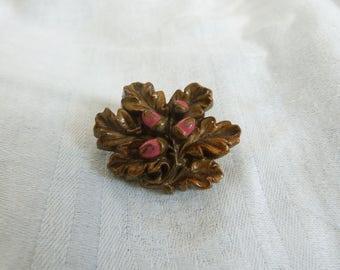 A painted Resin Vintage Oak leaf Brooch