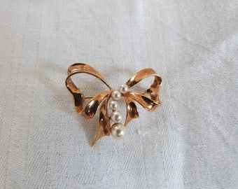 Vintage Gold Metal Bow Brooch with Real Pearls