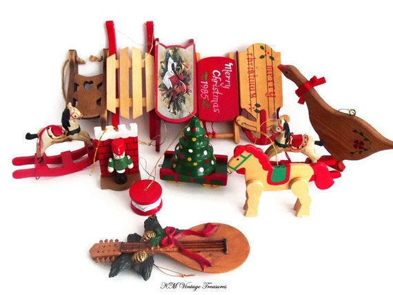 Vintage Wooden Christmas Tree Ornaments/ Old Fashioned