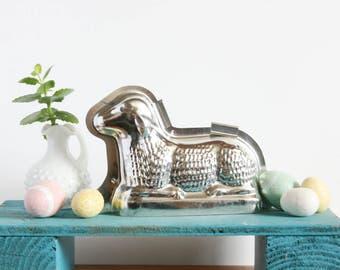Vintage Lamb Cake Mold ~ Lamb Baby Shower Decoration ~ Baking Supply ~ Cake Pan ~ Baking Mold ~ Easter Cake Mold