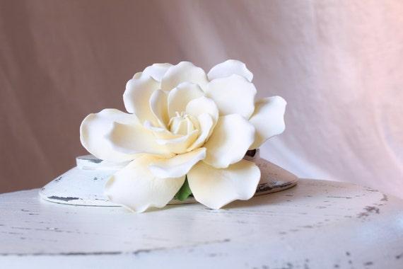 Gardenia hair flower. Hair clip polymer clay flower for wedding.  Ivory Gardenia on alligator clip.
