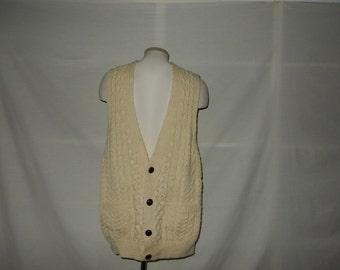 Sz M Cable Knit Sweater Vest - Cream White - Button Front - Collegiate Professor Looking - Jumper