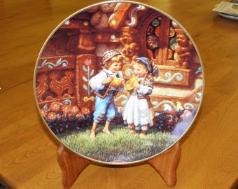 """Knoweles Collector Plate # 4096A - Hansel and Gretel """"Classic Fairy Tales"""""""