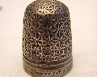 Antique Victorian Thimble Needle Pusher Sewing Supplies Star Burst Motif