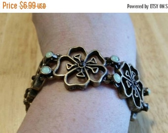 On Sale Brass Toned and Green Bead Flower Chain Clasp Bracelet Inexpensive Costume Jewelry