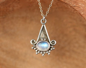 Stelring silver moonstone necklace / rainbow moonstone necklace / rustic necklace / labradorite necklace