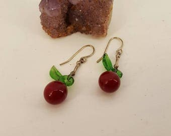 Gorgeous vintage glass cherry earrings, earrings, glass, vintage earrings, 1920s style, red cherries, jewelry