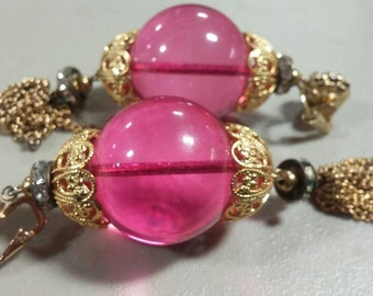 """Vintage Castlecliff signed clip on earrings.4"""" long dangling pink plastic."""