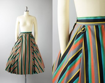 Vintage 1950s Circle Skirt | 50s Cotton Striped Metal O-Rings Pleated Swing Skirt (xs)