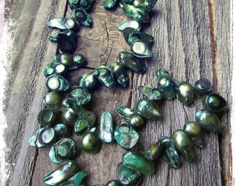 EMERALD Green Freshwater Blister PEARLS Women's NECKLACE~Brilliant Greens~Beautiful Statement Jewelry~Mdogstudios~