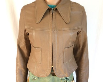 SALE! <was 78.00, now 58.00> 1970's Cropped Leather Jacket Butterfly Collar Sz. S