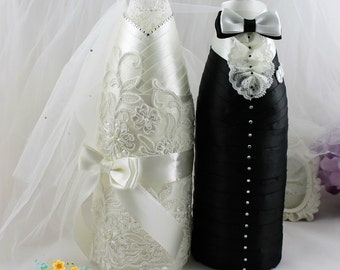 Wedding Champagne Decoration Bride&Groom in ivory and black-Wedding  champagne bottle favor-Wedding Bottle