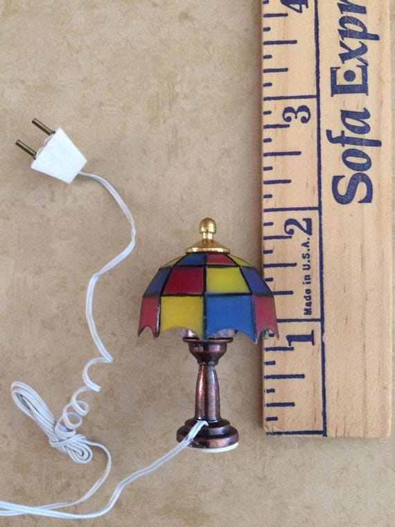 Vintage dollhouse working brass tiffany table lamp 12 for 12 volt table lamps