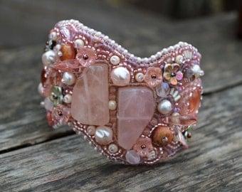 Rose quartz bracelet Pink beaded cuff bracelet Bead Embroidery Bracelet Seedbead Bracelet Rose Quartz cuff bracelet Embroidered Beaded cuff