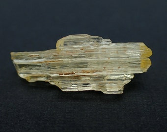 Scapolite crystal from Madagascar - .9gm / 21mm x 8mm x 6.8mm (T10933)