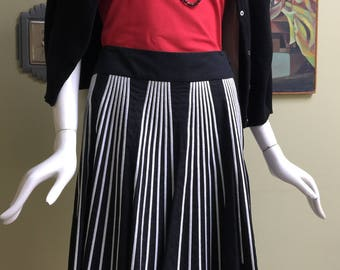 Vintage 1950s Style Dropped Waist Circle Skirt - Size 4