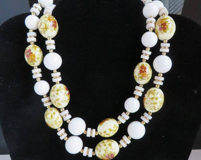Vintage Porcelain Necklace, Japan White, Cream Bead Necklace, Flower Beaded Necklace