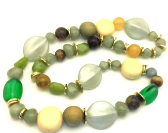 Necklace Vintage Multicolored Lucite Beads Wonderful Women Long Alluring