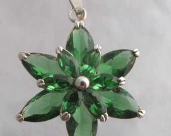Stamped 925 Sterling Silver Vintage Green Stone Pendant Flower Floral Estate Jewelry