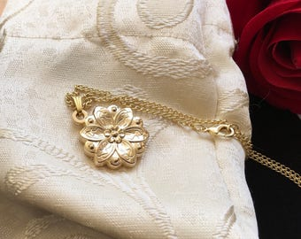 Together In Paris Anastasia Necklace Flower Key Charm Engraved Gold Plated 18K Replica
