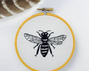 Hand Embroidery. Bee. Bumblebee. Embroidery Art. Wall Art. Hoop Art. Home Decor. Handmade. Embroidery Hoop.