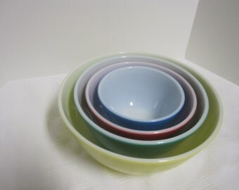 Vintage Pyrex  primary colors set of 4 nesting Bowls