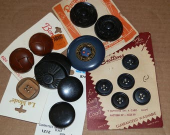 Mixed lot of Vintage Buttons- Lot#  902