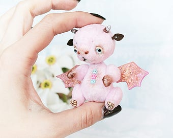 Summer Party Summer Outdoors Teddy Bear stile Artist Drago Cry Baby 2.1 inch handmade collectible jointed OOAK Teddy Bear staffed toy