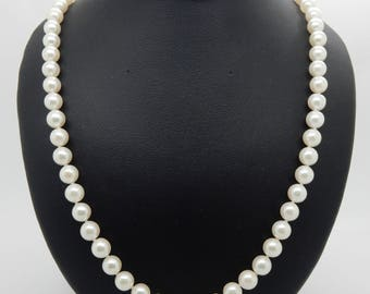 Vintage CP 14K Yellow Gold Clasp 6.5mm Culture Pearl Necklace