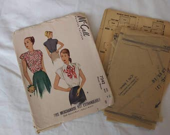1940s McCall Sewing Pattern #7242 Darted Blouse Pussy Bow Back Buttons 34 Bust