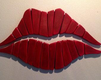 Red lips salon decor kiss pallet wall art wall art love for Lips wall art