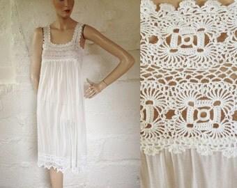 1930s-40s White Crochet and Fine Knit Jersey Slip / 30s-40s Underwear / Vintage Petticoat / SIZE UK 8-10