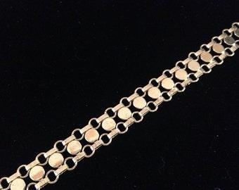 """Sarah Coventry vintage gold toned metal disc bracelet!  8.5"""""""