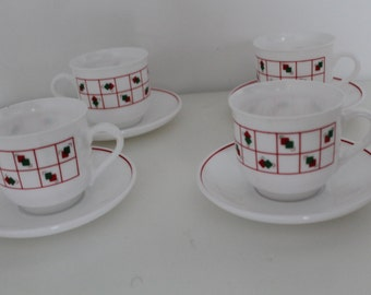 Set of 4 Pyrex Cups and Saucers pattern Red White Green