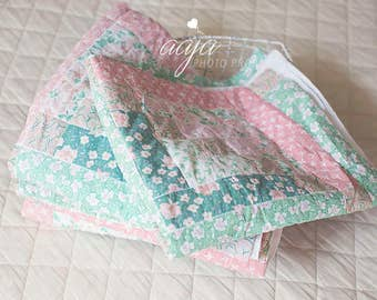 Upcycled quilt piece posing blanket with matching pillows, layer, pastel, vintage, Photo prop, patchwork