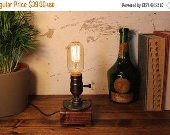 Medium table lamps