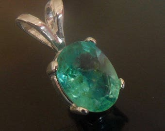 Colombian Emerald pendant 1ct oval faceted vvs natural no treatment