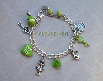 "charm bracelet ""Alice in the Wonderland"" green"