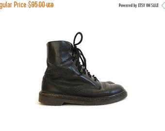Vintage 90s Doc Martens Ankle Boots // Black Grunge Goth Combat Work Boots // Mens Black Lace Up Doc Martens 7 / Black Lace Up Docs Womens 9