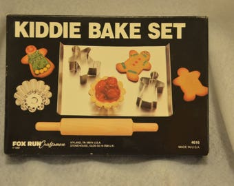 Kiddie Bake Set Fox Run Craftsmen 1992 Vintage New in Box