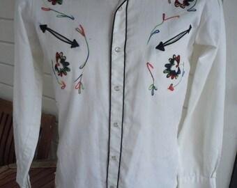 Size M (15, 34) ** Exceptional 1970s Stitched Cowboy Shirt