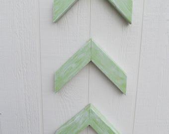 Arrow Chevron Green & White Distressed ~ Set of 3 ~ FREE SHIPPING