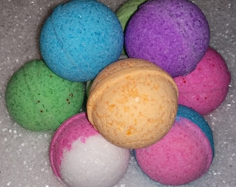 SALE!  8 Large 4.5 oz Bath Bombs - SURPRISE PACK - Mystery Mix - 8 Assorted Bath Bombs - 8 Different Bath bomb Fizzys