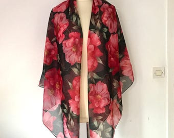 VINTAGE ITALIAN SCARF / Made in Italy / Red / Pink / Black / Fashion / Accessoire / Large scarf / Thin scarf / Woman scarf / Floral / Roses