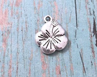 10 Small Hibiscus flower charms (2 sided) silver tone - silver hibiscus pendant, flower pendant, Hawaii flower charms, tropical charm, BX120