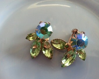 Vintage Blue and Green Aurora Borealis Feathered Gold Toned Metal Clip Earrings Set