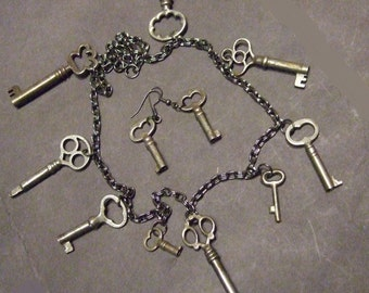 "Vintage necklace of old keys with matching earrings.  23"" (B32)"