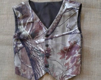 Boys & Men Realtree Camo vest Great for weddings NB to size kids 10.NEW light weight poly satin realtree Ap fabric