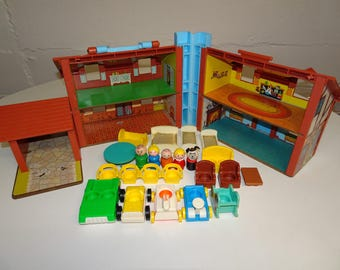 Vintage 1980's Fisher Price Little People Tudor House #952 100% Complete Plus Extra Accessories - FREE SHIPPING